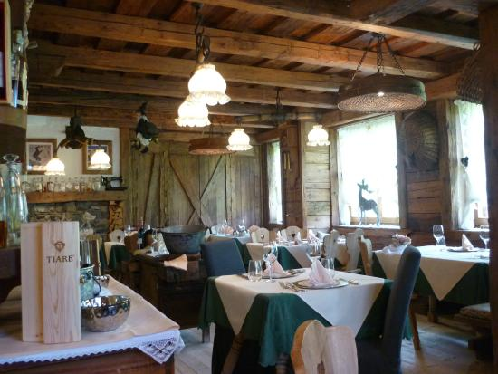 La sala da pranzo - Picture of Baita Mondschein, Sappada - TripAdvisor