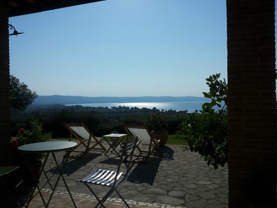 Vista lago a colazione bild fr n la perazzeta una - Una finestra sul lago ...