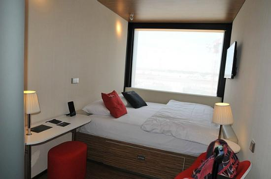 chambre picture of citizenm paris charles de gaulle