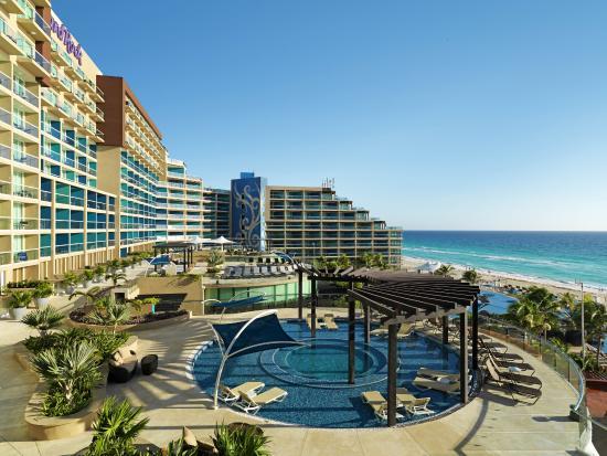 Hard Rock Hotel Cancun: Pools -Breeze Terrace Pool-