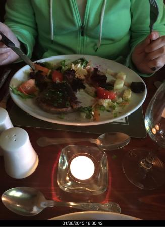Loughbrickland, UK: I had a meal at the Seven Stars on 1 August 2015 along with my wife. First time in the premises.