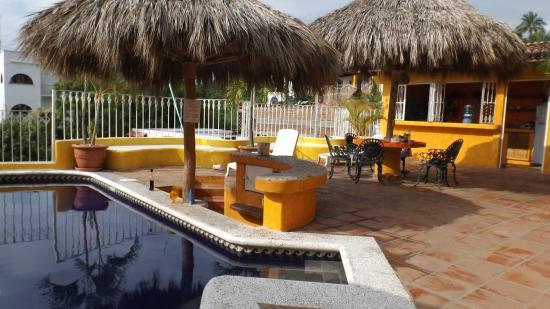 Hotelito Rolando: Pool area