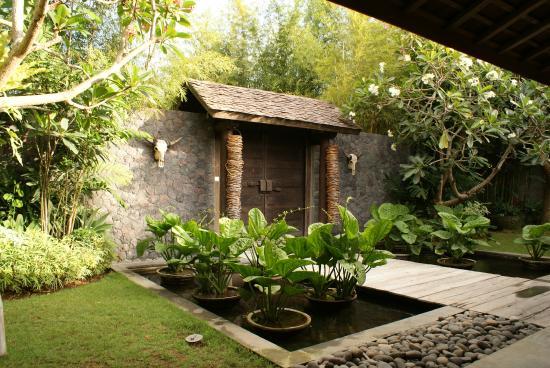 Porte d 39 entr e du jardin o se situe kalua picture of for Les jardins de bali