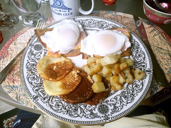 Summerstown, Canada: Generous breakfast