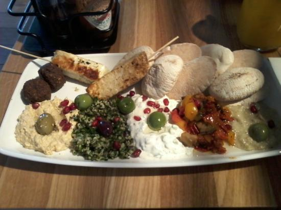 Mezze platter picture of giraffe inverness tripadvisor for Food bar giraffe