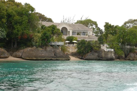 Thriller Ocean Tours: One of the lovely properties you get to see as part of the trip
