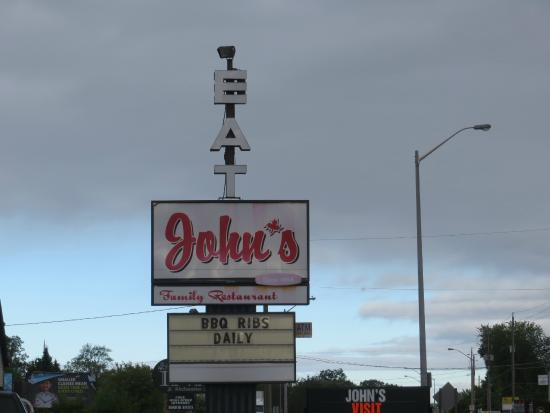 John's Restaurant: Can't miss this sign on the Golden Mile