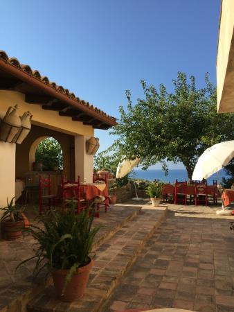 B&B Casa Malerba : Bellissima vista mare dal cortile interno