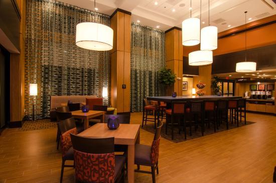 北休士頓洲際機場恒庭套房飯店
