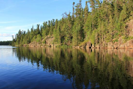 Chapleau, كندا: Beautiful calm lake.