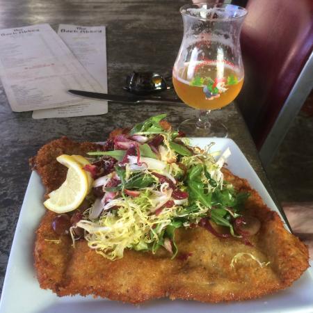 Back Abbey: Schnitzel Salad