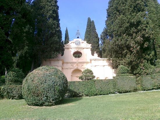 Edificio su 5 piani foto di villa fidelia spello for Piani di villa italiana