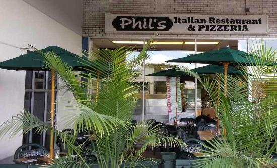 ‪Phil's Pizzeria & Restaurant‬