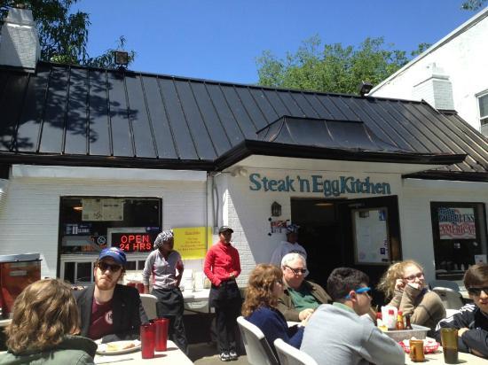 Outside Patio At Steak N Egg Wisconsin Avenue Nw Tenleytown
