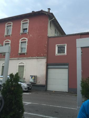 Trattoria da Franco: 'Aussicht' von der Terrasse/dem überdachten Hinterhof