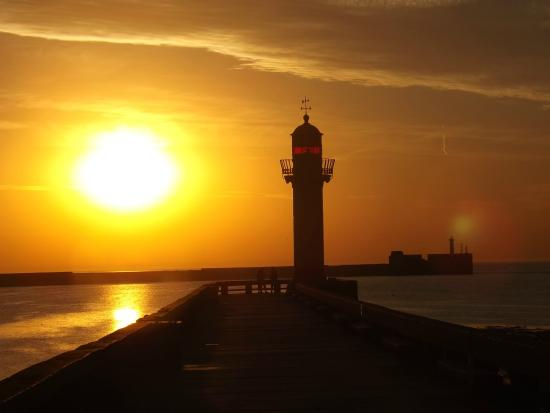 hotelF1 Boulogne sur Mer : Coucher du soleil à Boulogne/mer