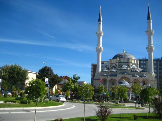 Mitrovica, Kosovo: The center of the town with mosque