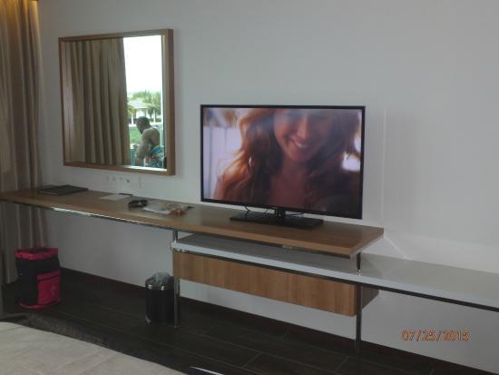 Bimini: TV area