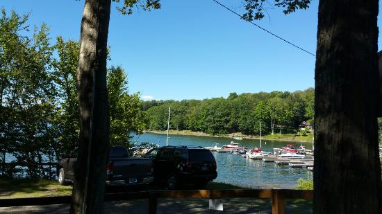 Greentown, PA: Boat rental and parasailing