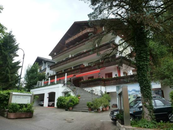Hotel Furian am Wolfgangsee: Front of Hotel Furian