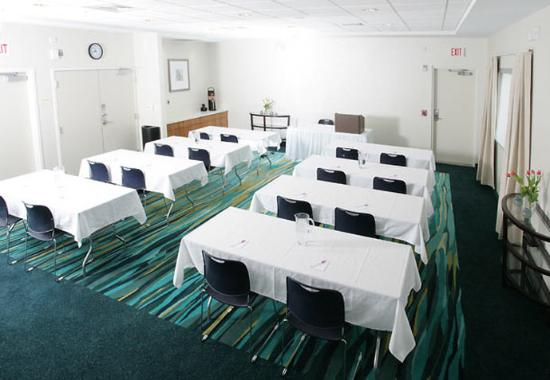 Orion, MI: Meeting Room – Classroom Style