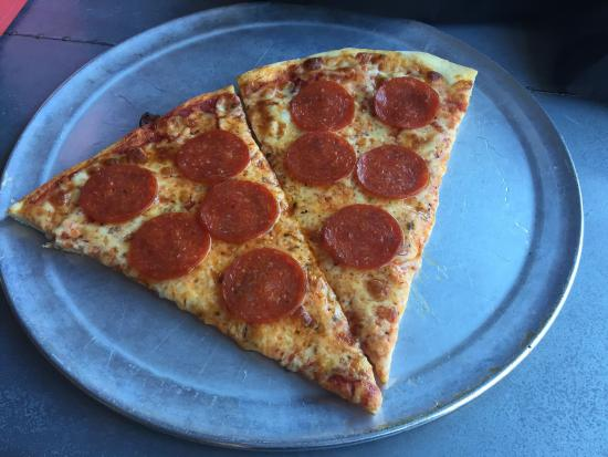 Aniello's Pizzeria: photo0.jpg