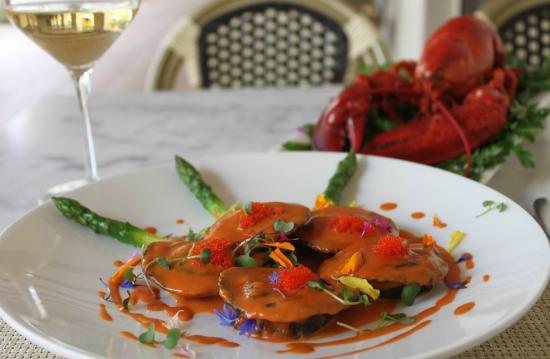 Bouquet Restaurant at Ponte Vineyard Inn: Lobster and Ricotta Stuffed House Made Black Ink Ravioli