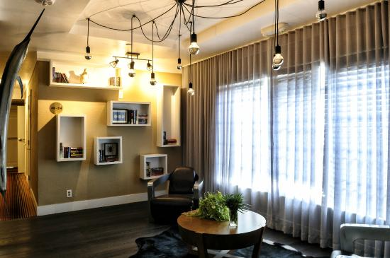 Lincoln Arms Suites: Lobby