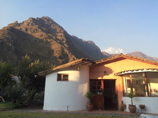 Full Moon Lodge: Vista Del jardin