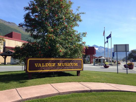 The Valdez Museum and Historical Archive: The Old Valdez and Valdez Museums.