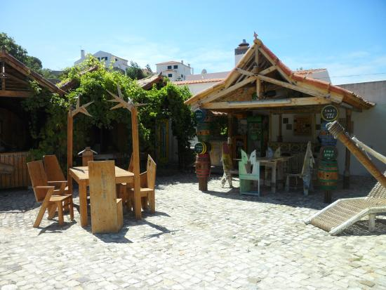 Eco Sound - Ericeira Ecological Resort : Shared dining area