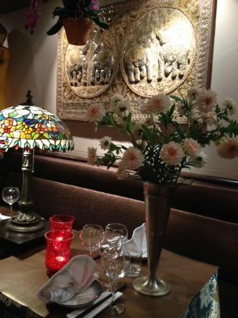Pink Lotus : table