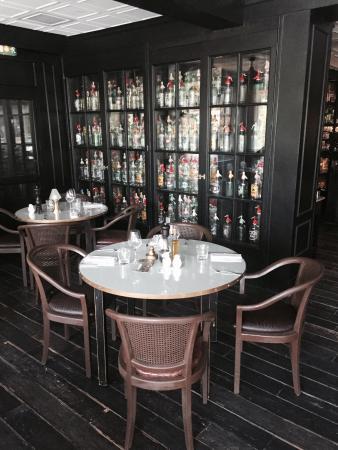 La Villa des Fleurs: Un hôtel restaurant sympa...