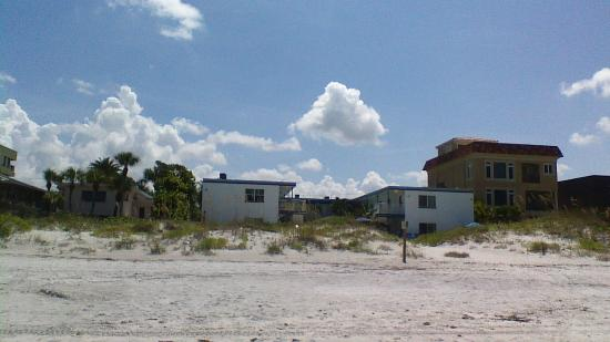 Gulf Side Of Great Heron Inn Picture