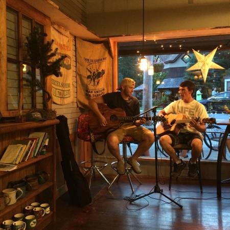 Blue Line Coffee House/Finders Keepers Gift Shop