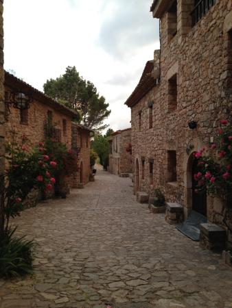 Mirador de Siurana Hotel: Siurana. No people as a whole!