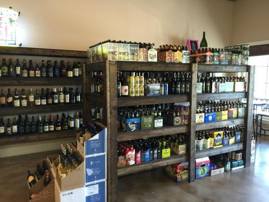 Carolina Beach, Carolina del Norte: Great Selection of Gluten Free Beer, Sour Beer, & Wine from all Regions!