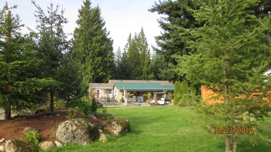 Mountainaire Campground and RV Park: Check in or pick up an ice cream in the office and store at the Mountainaire Campground