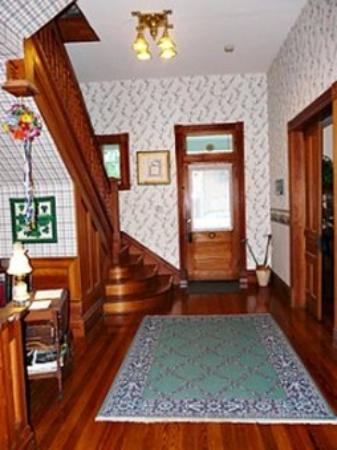 O'Casey's Bed and Breakfast: The Foyer