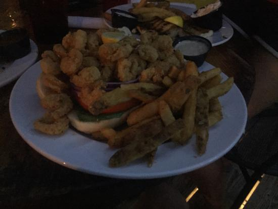 Wahoo's Bar and Grill Photo