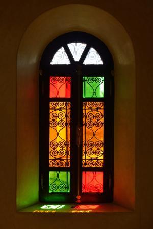Riad Dar Anika: Traditional windows