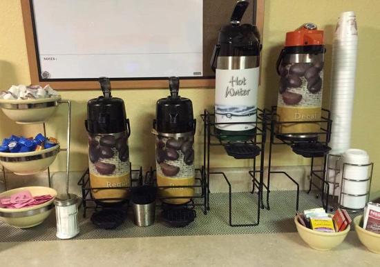 Quality Inn & Suites Clearwater: Breakfast Coffee Station Jpeg