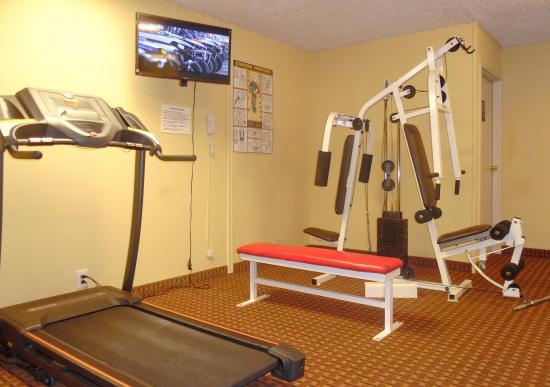 Quality Inn & Suites Clearwater: Fitness Center