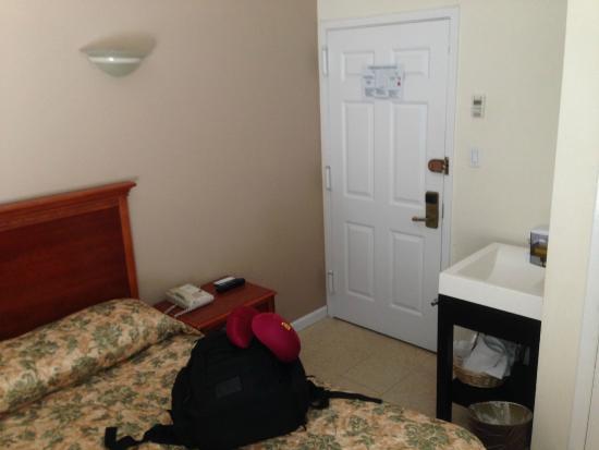 Americana Inn: Double Room
