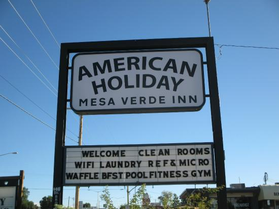 American Holiday Mesa Verde Inn Cortez : sign
