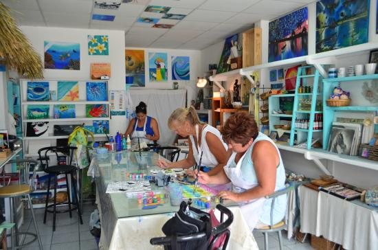 Belizean Melody Art Gallery: Working on our paintings