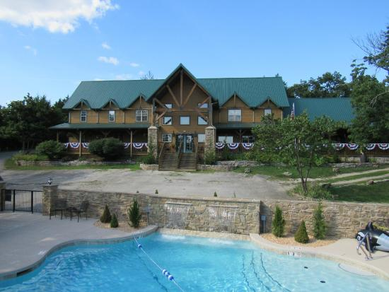 Photo of Crow's Nest Resort Branson