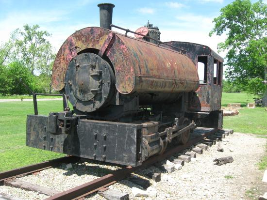 Hugo, OK: old locomotive behind the museum