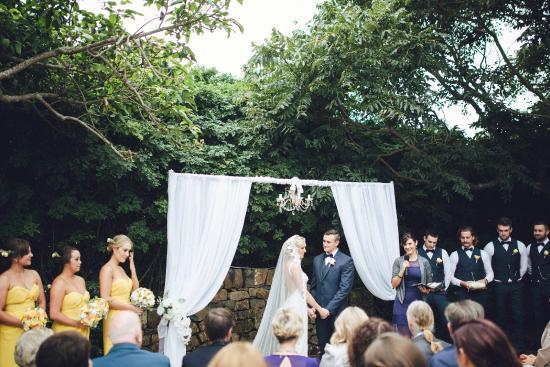 Gerringong, Australia: Bella Weddings - Courtyard Ceremony
