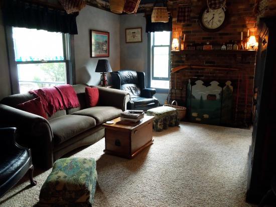 The Candlewyck House : Candlewyck House B&B Living Room